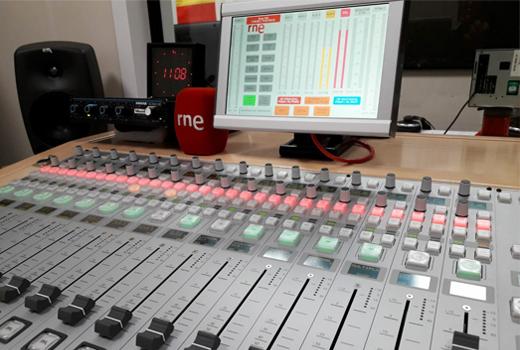 Radio Nacional de España - Consola Digital de audio DHD 52RX