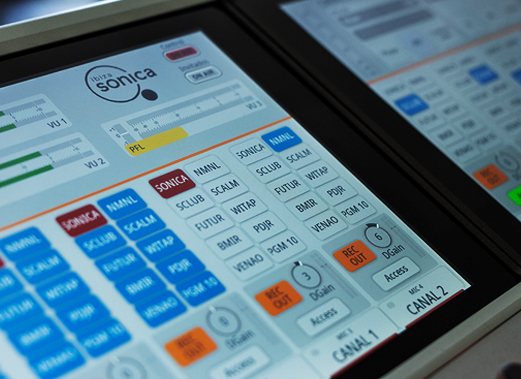 Instalación de Consola 52 SX2 en Ibiza Sonica Radio