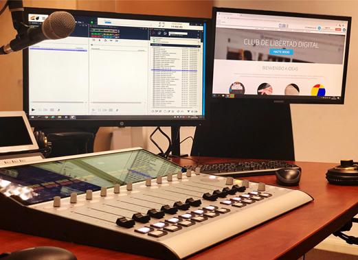 esRadio con consola digital 52 SX2 y sistema de automatización XFrame