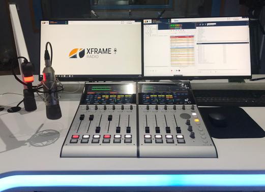 Estudio de radio con consola digital DHD y software de automatización XFrame